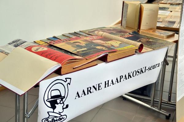 Näyttely reportteri Aarne Haapakosken kirjoituksista