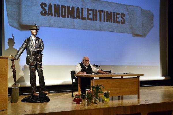 Ilkka Seppä luennoi Aarne Haapakoski-seminaarissa 3.8.2014 aiheena Outsiderin lehtimiesura